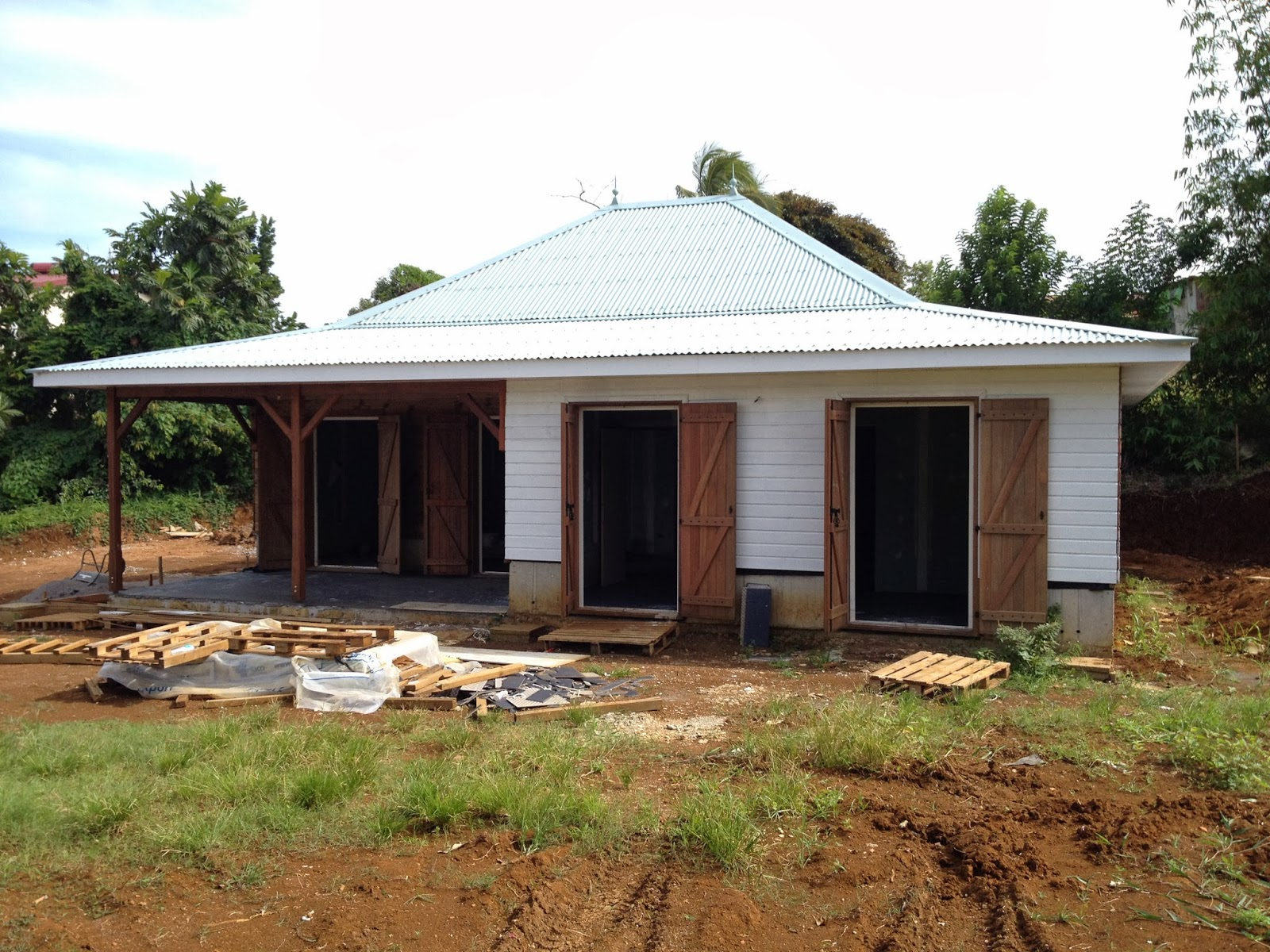 Peinture ext rieure construire maison cr ole en for Peindre sa maison exterieur