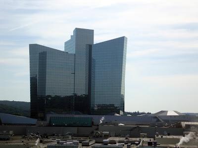 Mohegan Sun Casino/ Hotel