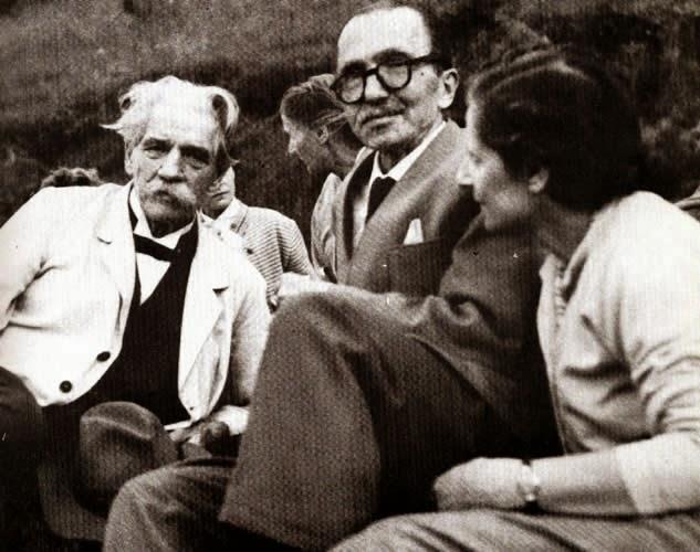 Albert Schweitzer, Nikos Kazantzakis y su esposa Eleni (1955)