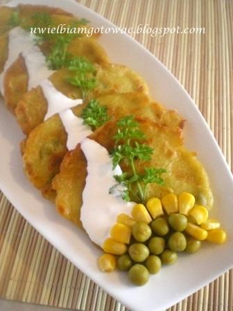 Tajskie placki z kukurydzą i groszkiem