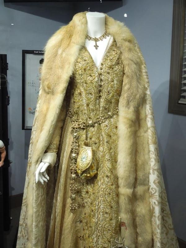 Lea Seydoux Robin Hood Isabella costume