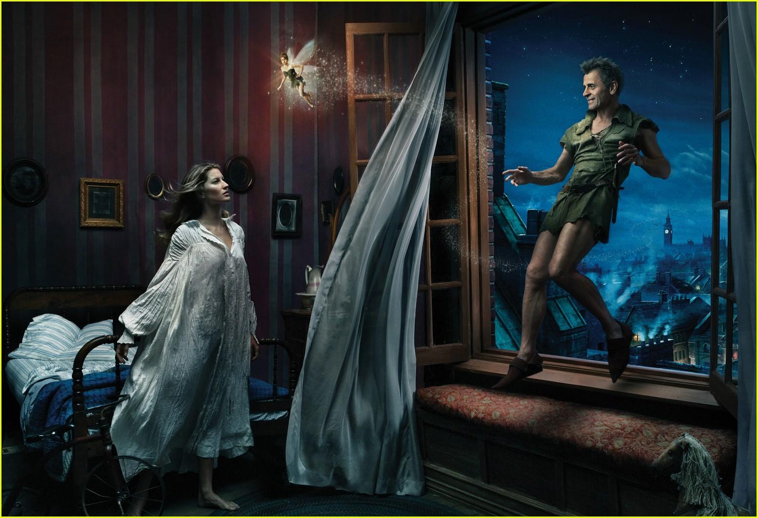 http://4.bp.blogspot.com/-tzqqOFP6sxI/TaBh6PTJf9I/AAAAAAAAAX4/YTKBheX153A/s1600/disney-dream-ads-annie-leibovitz-08.jpg