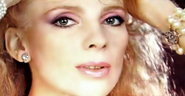 * Hoy cumple años la cantante Diana María