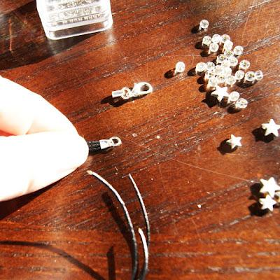 como hacer pulseras con abalorios paso a paso