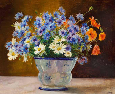 http://4.bp.blogspot.com/-tzzEoUNprFg/US3v4ZhYxYI/AAAAAAAABLk/ZEc88NkulJc/s400/Daisies,+poppies+and+cornflowers+in+a+blue+and.JPG