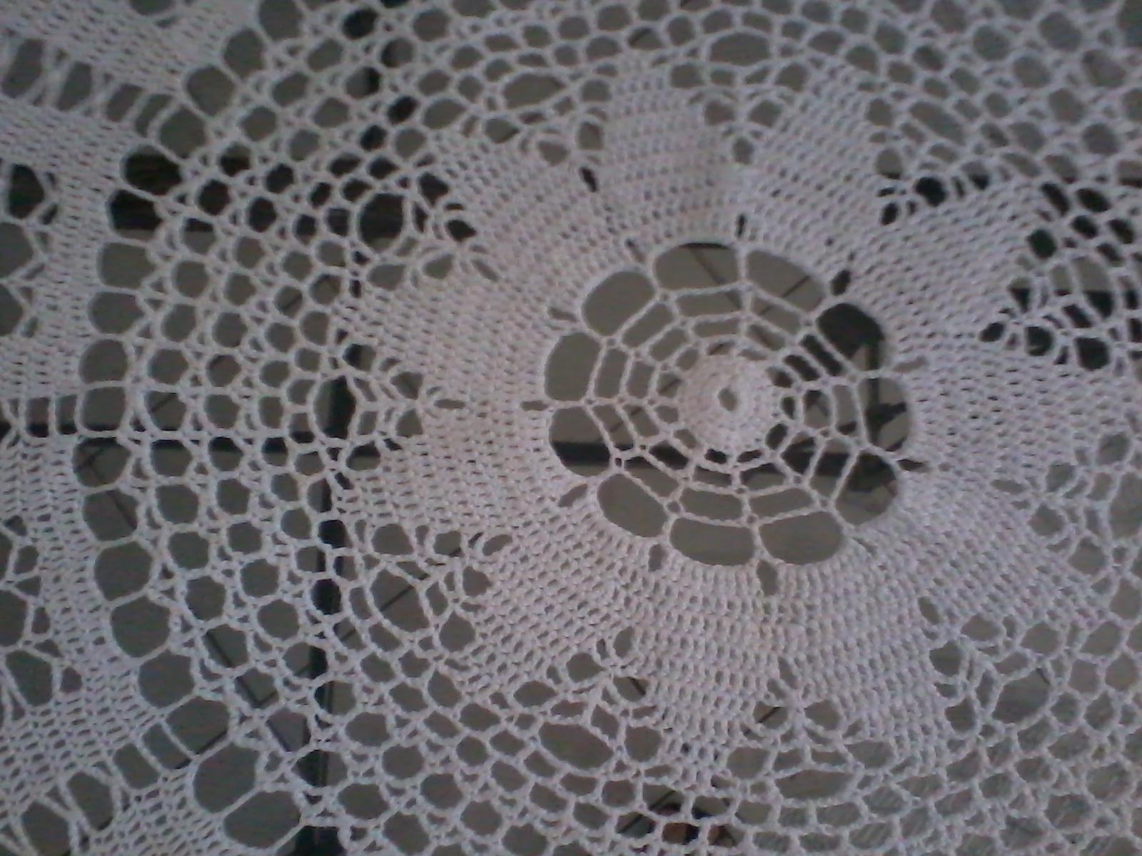 Toalha de crochê redonda com gráfico