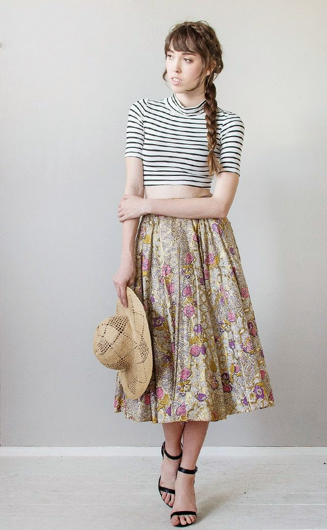 ADORED VINTAGE: How To Wear A Vintage Circle Skirt - Style Notes