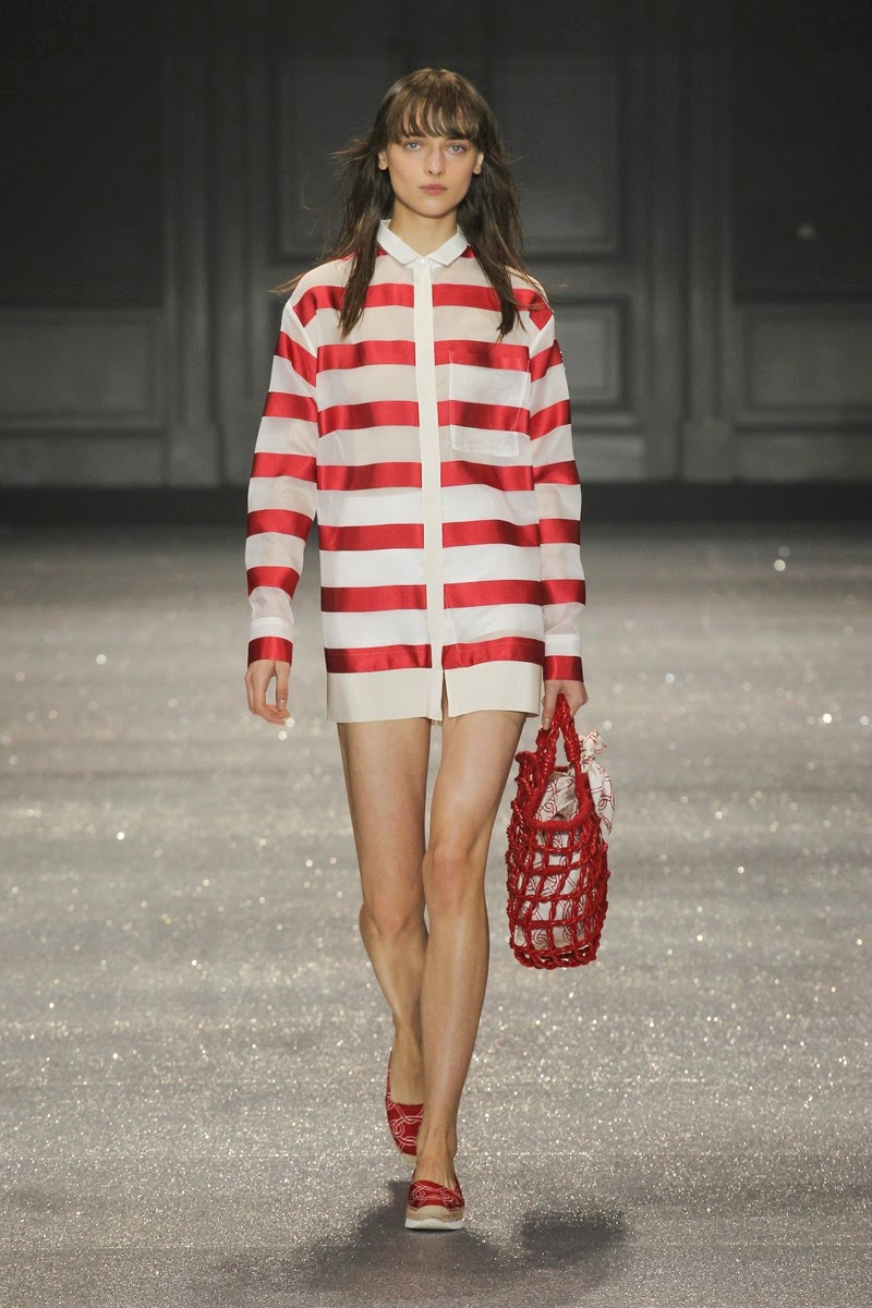 Moncler spring summer 2015, Moncler ss15, Moncler, Moncler ss15 pfw, Moncler pfw, doudoune moncler, gamme rouge, moncler gamme rouge, moncler rouge, giambattista valli moncler, doudoune femme, pfw, pfw ss15, pfw2014, fashion week, paris fashion week, du dessin aux podiums, dudessinauxpodiums, vintage look, dress to impress, dress for less, boho, unique vintage, alloy clothing, venus clothing, la moda, spring trends, tendance, tendance de mode, blog de mode, fashion blog,  blog mode, mode paris, paris mode, fashion news, designer, fashion designer, moda in pelle, ross dress for less, fashion magazines, fashion blogs, mode a toi, revista de moda, vintage, vintage definition, vintage retro, top fashion, suits online, blog de moda, blog moda, ropa, asos dresses, blogs de moda, dresses, tunique femme, vetements femmes, fashion tops, womens fashions, vetement tendance, fashion dresses, ladies clothes, robes de soiree, robe bustier, robe sexy, sexy dress