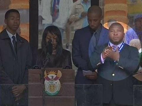 'I had Szchizophrenia attack' Mandela memorial sign interpreter says