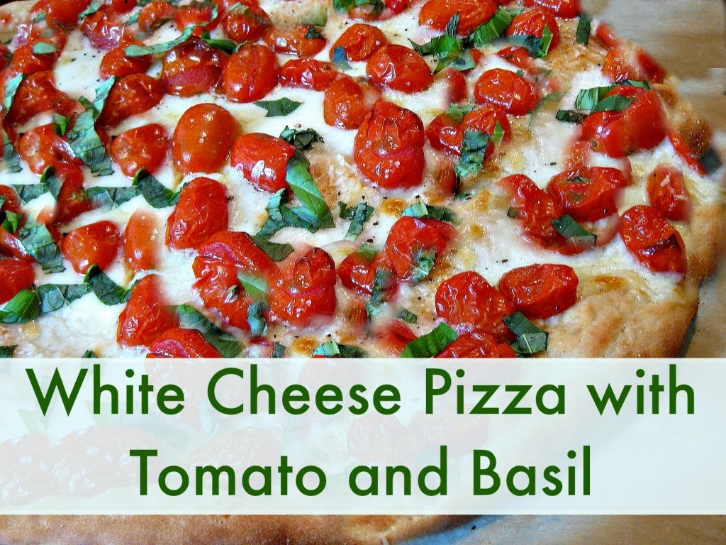 Our favorite recipe : Home made chicken basil pizza!