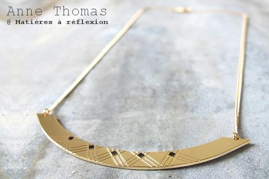 Anne Thomas collier doré bijoux noir 1920 laqué