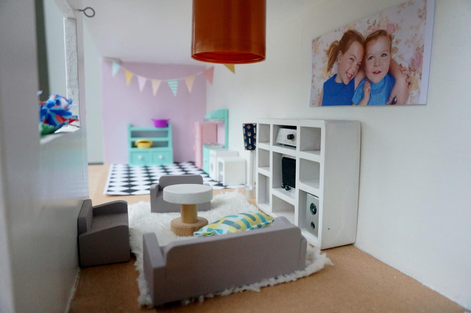 Krea t uurkes zelfmaak poppenhuis for Mezzanine in de woonkamer