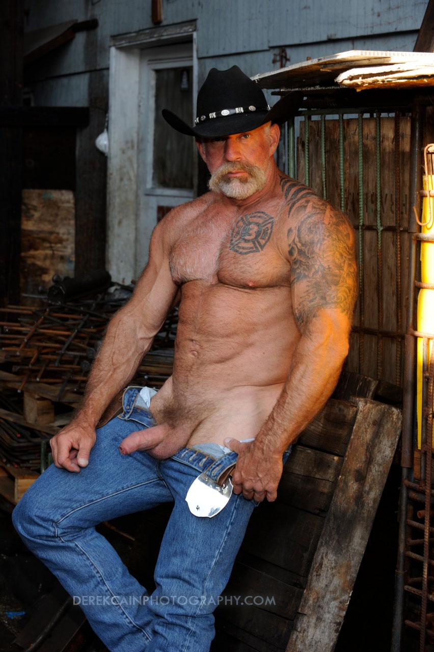 best beefy men naked