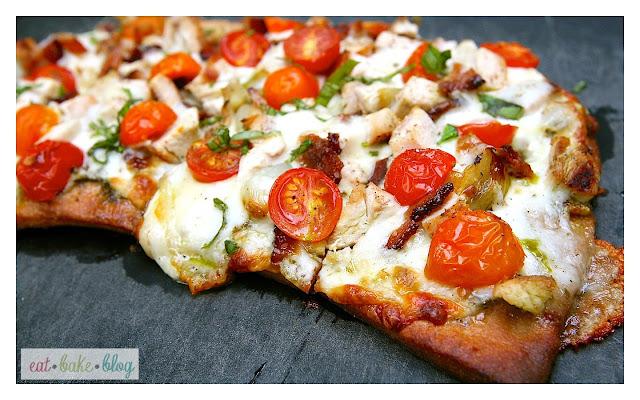 pizza, pesto