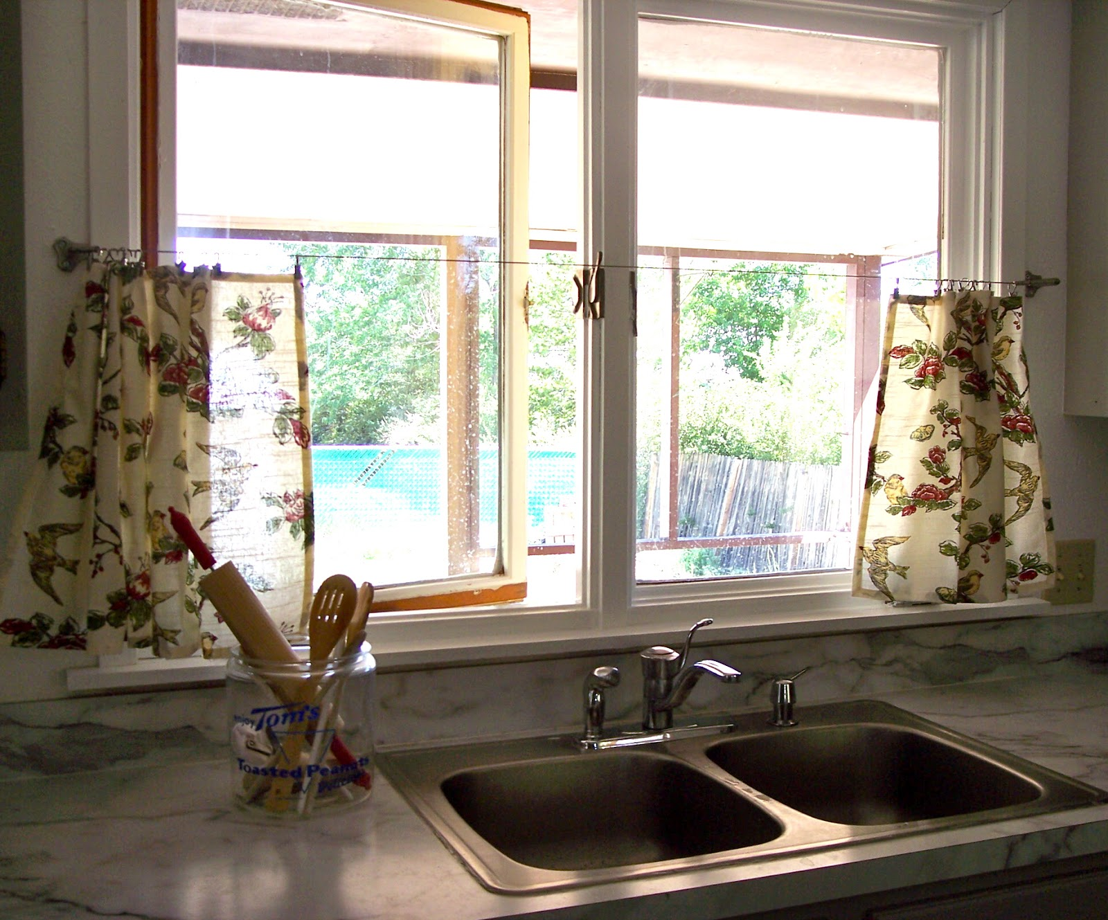 Kitchen Window The Deckers No Sew Kitchen Window Curtains