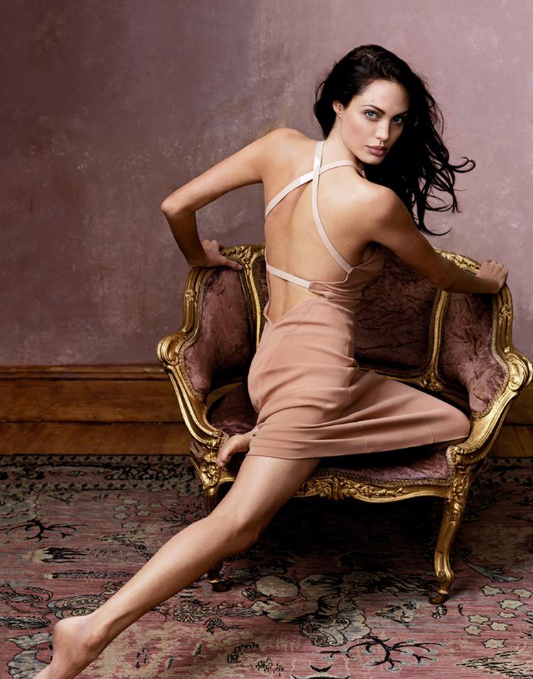 Angelina Jolie Long Hairstyles 6