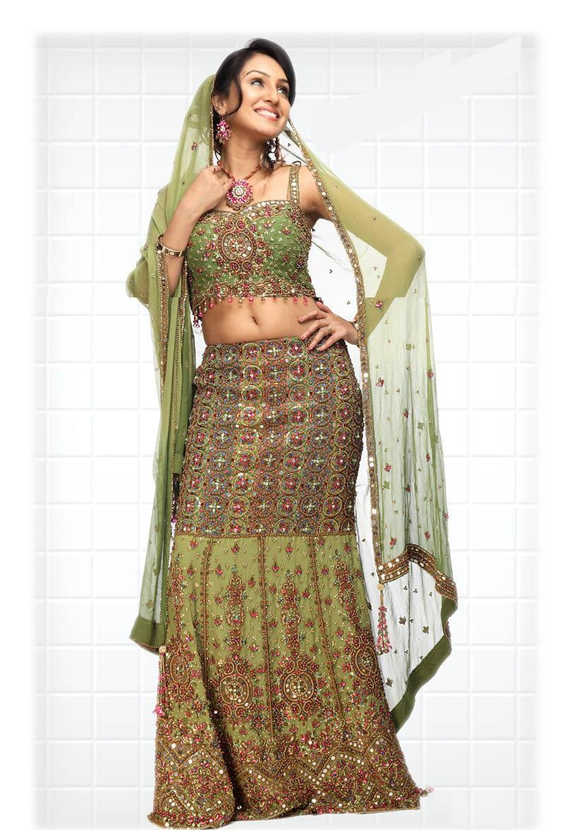 Indian wedding dresses for bride beautiful hand picked for Trendy indian wedding dresses