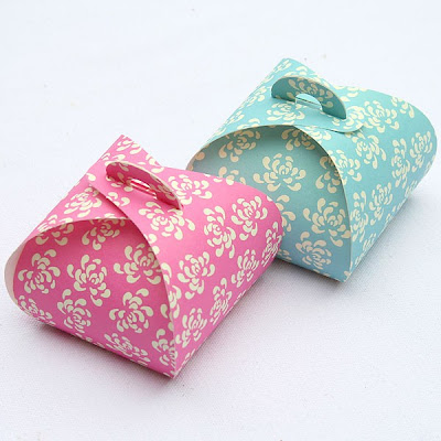 Dome Shaped Vintage Florals Favour Boxes by Pipii