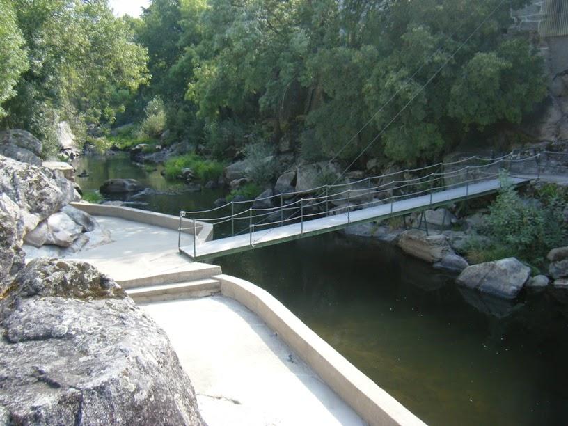 Ponte Pedonal sobre o Rio Dão