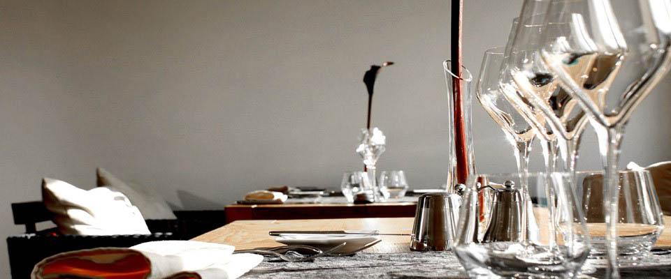 Tales of taste oh restaurant for Moderne kookstijl