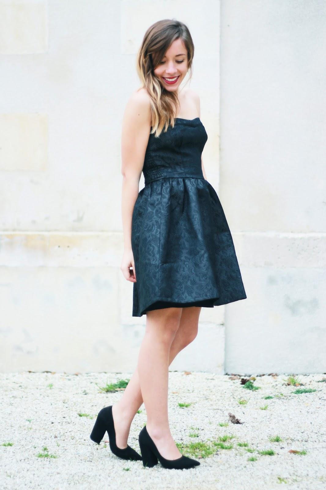 Comment porter une robe bustier