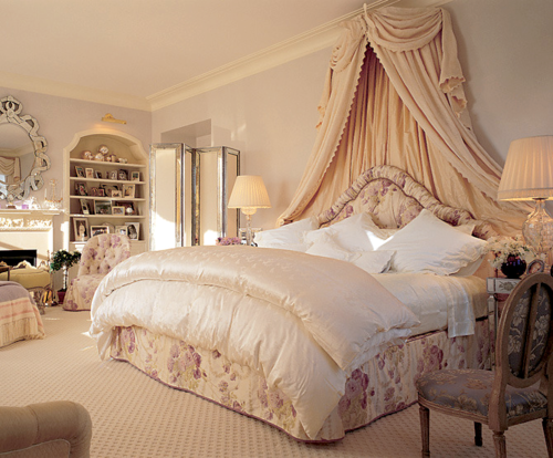 Dream bedrooms love telina for Beautiful bedroom designs romantic