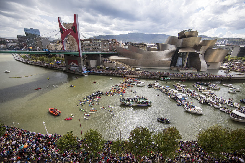 Planeta humano, Red Bull Cliff Diving, Bilbao, puente La Salve,