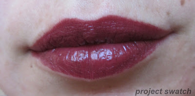 WnW Black Orchid lip swatch