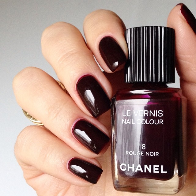 rouge noir chanel swatch