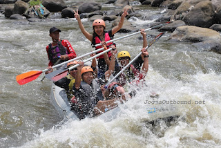 Outbound Sentul Arung Jeram Kalibaru