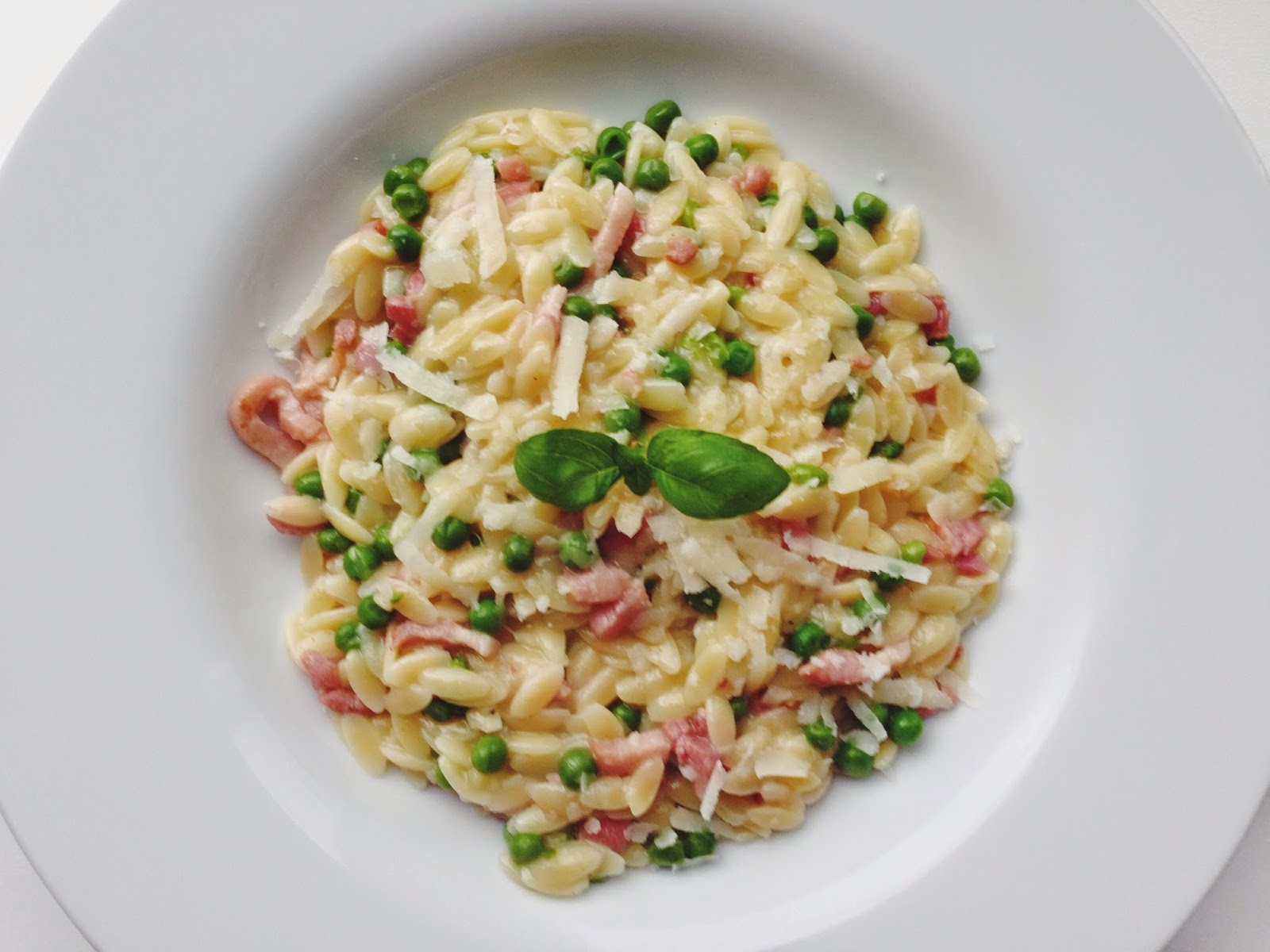 med kærlig hilsen: Pasta Risottata with Peas and Bacon