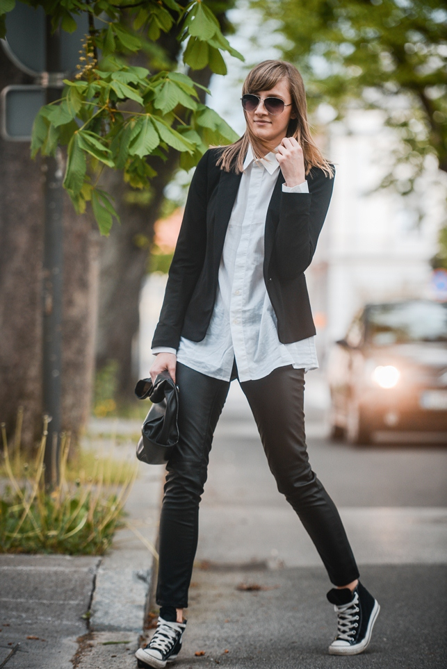 monochrome outfit, sneakers with collar shirt, black blazer, leather pants, style blogger, fashion blog, converse all star chucks