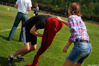 klasskamp, nordenbergsskolan, dannfältet, 2012, gymnasieskola, olofström, skotska... oredan fyllan, röd handduk, foto anders n