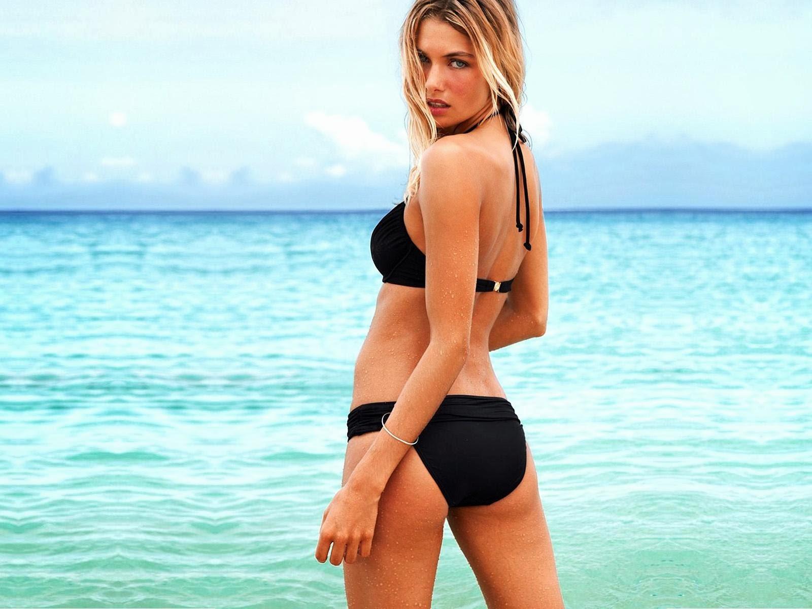 Hot Model Jessica Hart