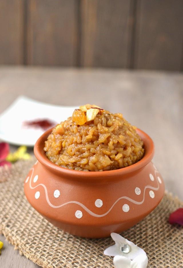 Sweet Pongal (Bellam Pongali)