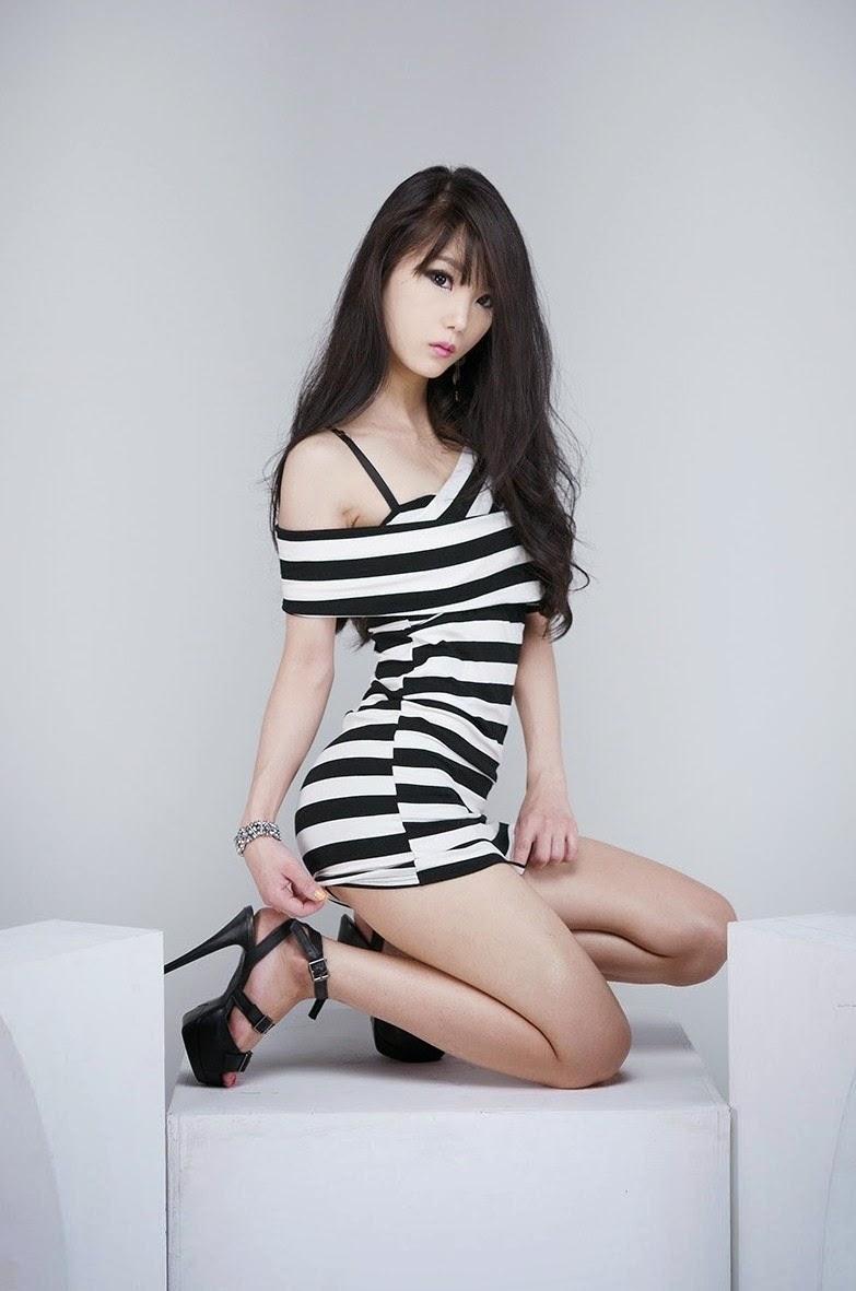 Im Soo Yeon Sexy Black and White