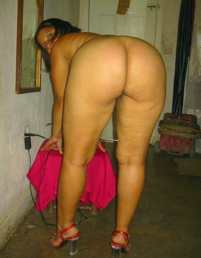 mallu sexy big gaand wiffe naked pics caught by lover   nudesibhabhi.com