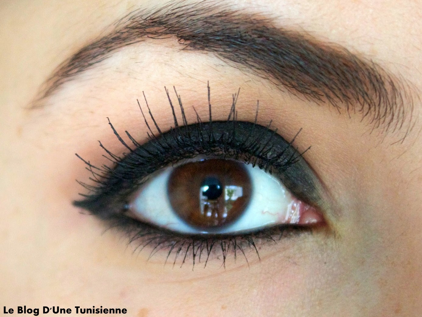 tuto black smoky eye le blog d 39 une tunisienne. Black Bedroom Furniture Sets. Home Design Ideas