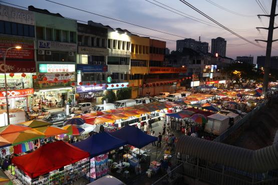 http://www.timeout.com/kuala-lumpur/shops/taman-connaught-night-market