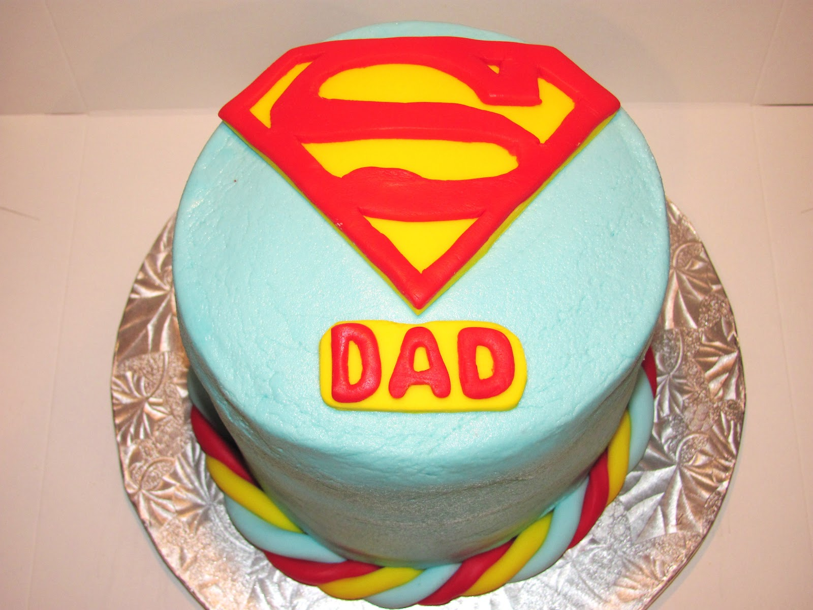 ... Its a bird, its a plane, its SUPER CAKE!! (Superman cake f...