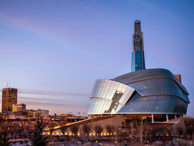 Canadian-Museum-for-Human-Rights-in-Winnipeg-Tower-of-Hope