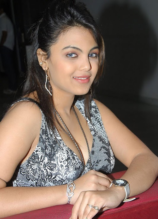 priyanka tiwari hot images