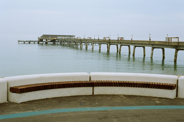DEAL PIER, SEA DEFENCES, BENCH, CONCRETE, BRUTALIST STRUCTURE, 1950S, POST WAR ARCHITECTURE, EAST COAST, KENT 2013 © VAC
