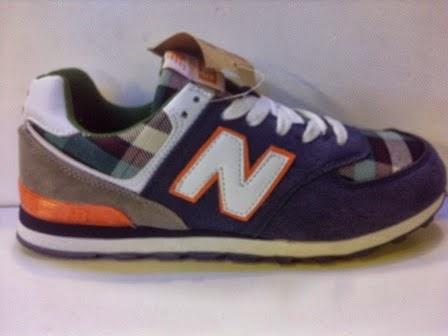 Sepatu New Balance 574 Motif