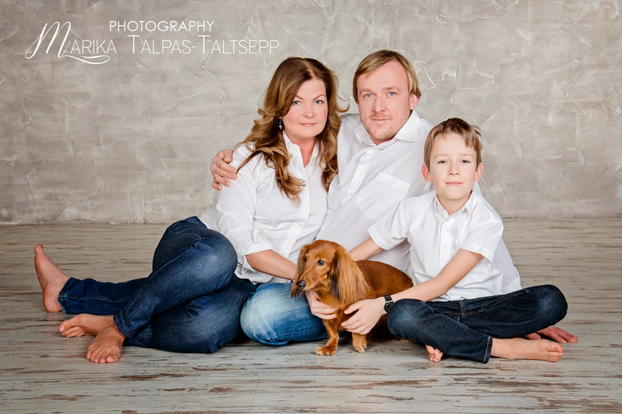 family-perekond-koeraga pildistama