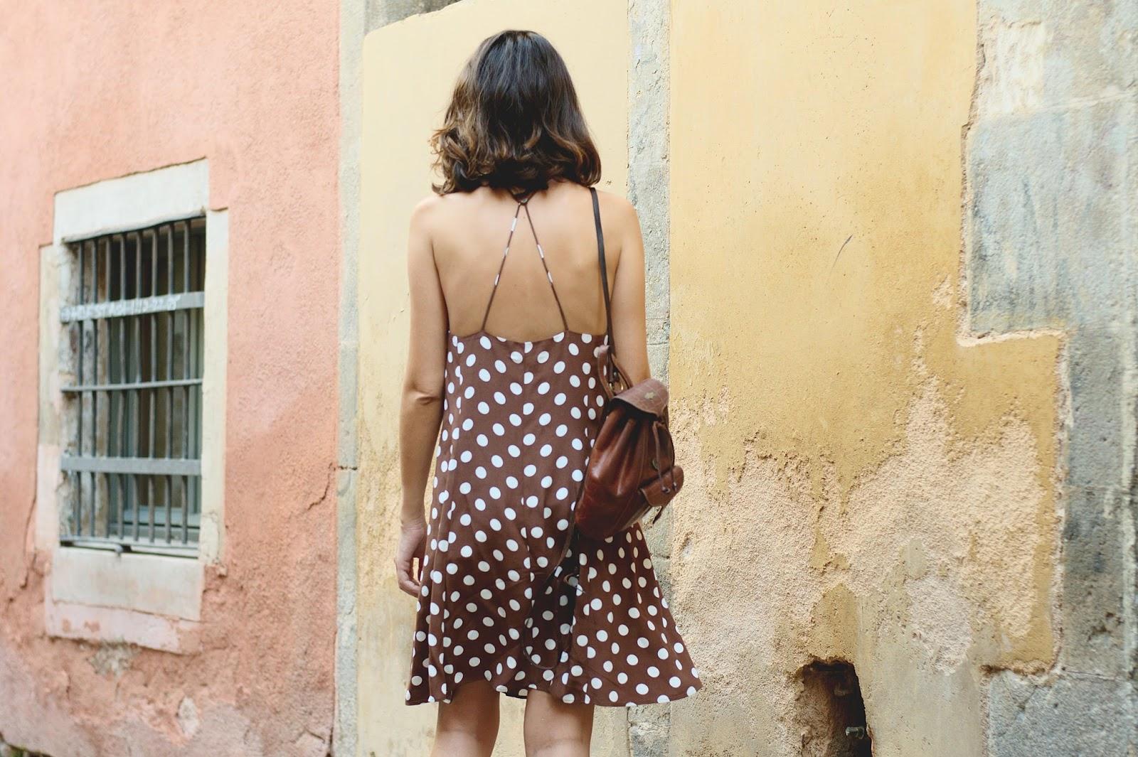 Vestido y cuña Zara, bolso vintage, Gafas de sol Asos