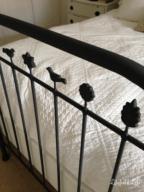 Lilyfield Life: Annie Sloan Chalk Paint to transform Rusty metal bed