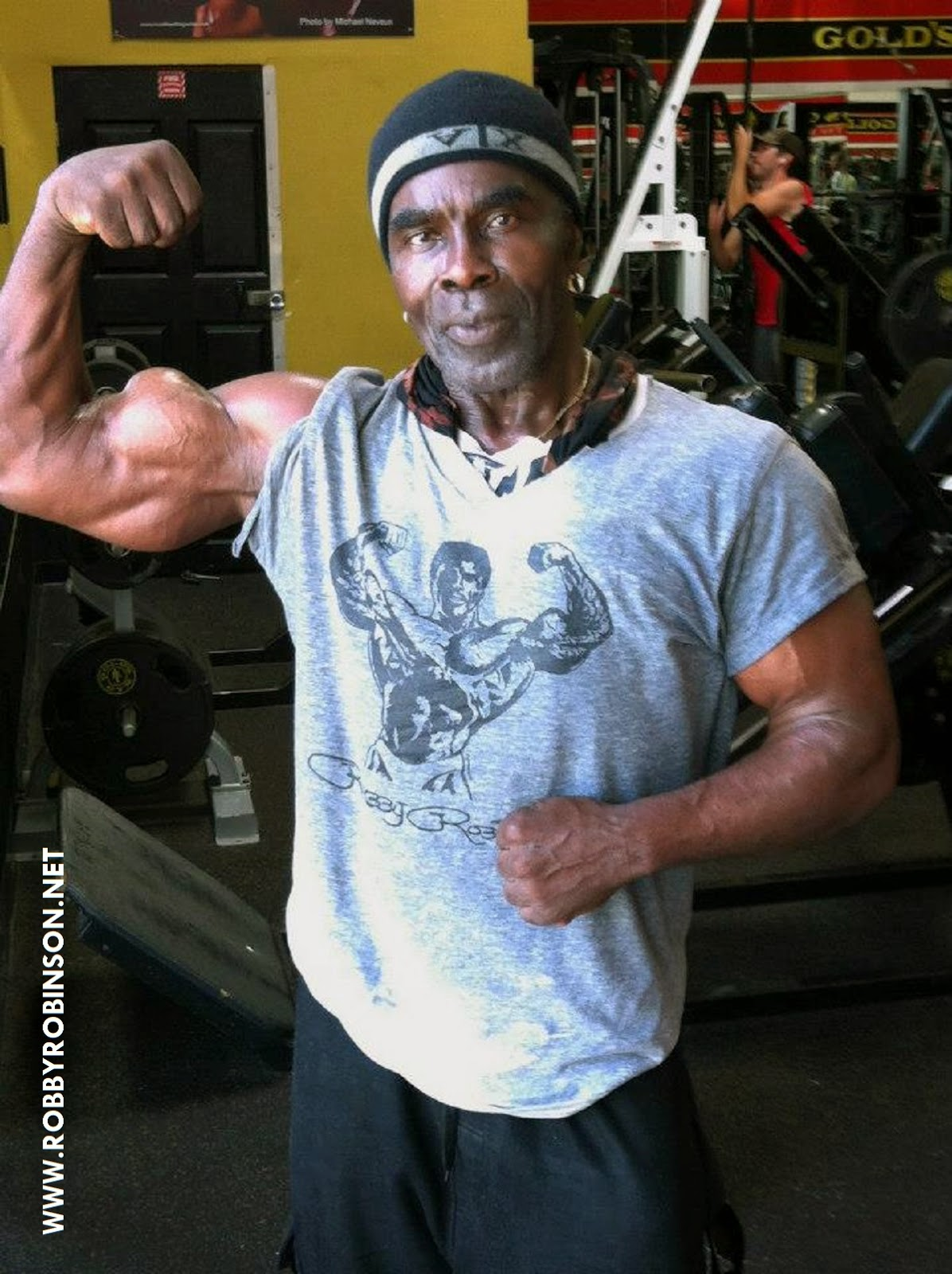 Robby's famous Bicep Peak - Photo by Gary Casaccio during RR' Master Class at Gold's Gym Venice ● www.robbyrobinson.net/motivation.php ●