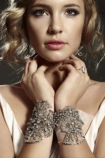 Bridal-cuffs-Eversolovely-via-AbsolutePerfectionWeddingPlanners