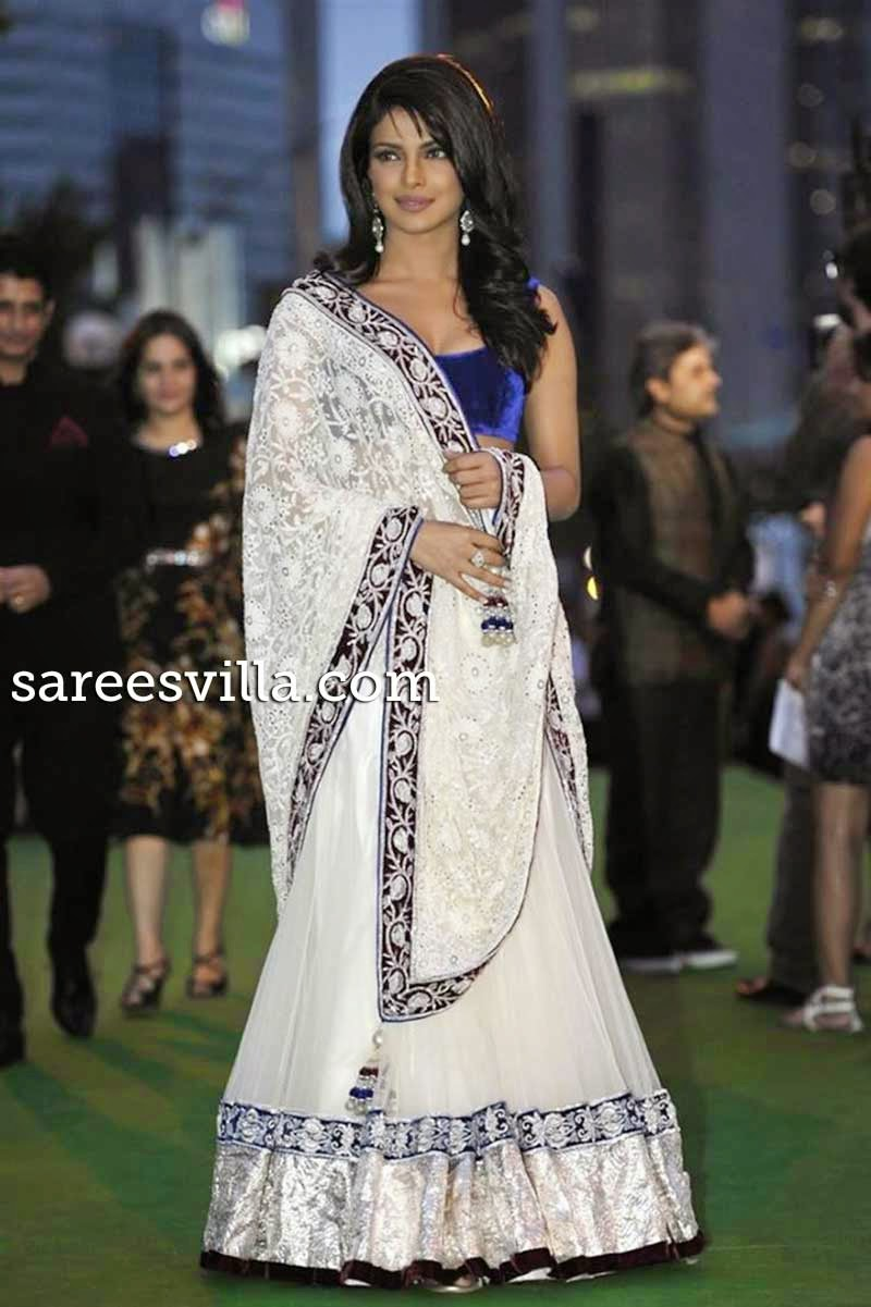 Priyanka Chopra Winged Out Wavy Hairstyle